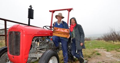 Mount Alexander Fruit Garden's Hugh and Katie Finlay are among the founding members of a ground-breaking new local organic farming co-op venture.