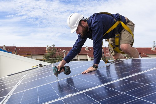 Victorians will be able to install a solar panel system for half price and pay the rest of the cost back over four years with an interest-free loan.