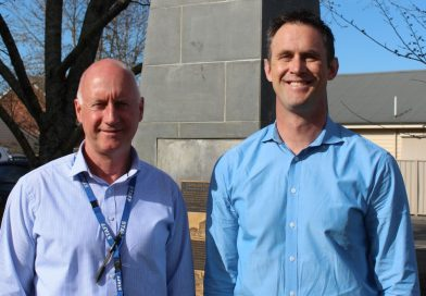 Detective Leading Senior Constable Glenn Johnston and Detective Leading Senior Constable Wade Andrews of the Macedon Ranges Crime Investigation Unit have received commendations for their investigation of the escape of inmates from the Malmsbury Youth Justice Centre in January last year.