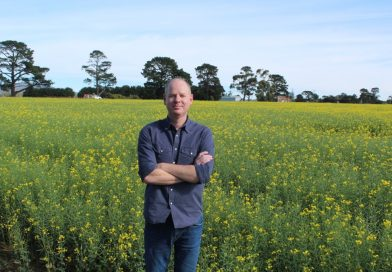 Comedian Tom Gleeson led a petition to stop Perth-based mining company Macedon Resources from beginning rock chip sampling, mapping and low-impact drilling in the Macedon Ranges' east.