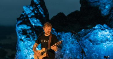 Ed Sheeran put on an intimate concert for 80 fans at Hanging Rock in February 2017. Photo: Hit Network's World Famous Rooftop