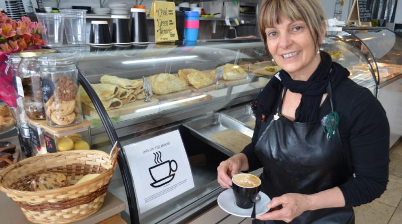 Castlemaine café owner Dot Hardman invites community members to get behind the 'One on the House' initiative.