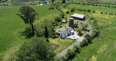 Windmill Farm is home to a rare 1850s bluestone windmill, the last of its kind in Victoria.