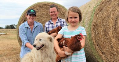 This Farm Needs a Farmer founder Melissa Connors is pictured with The Good Life Farm Co's Claire Moore who will be exhibiting of the day and her daughter Freya Fogarty and Luca their maremma.