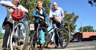 Castlemaine health professionals and concerned parents Dr Marg Peck and Susie Burke and cyclist Rob Scott are calling for a bit more respect and tolerance on our roads.