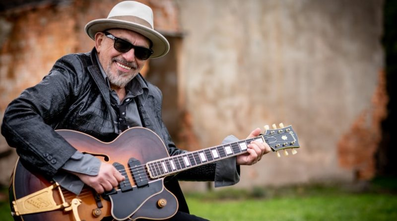 Legendary muso becomes new citizen